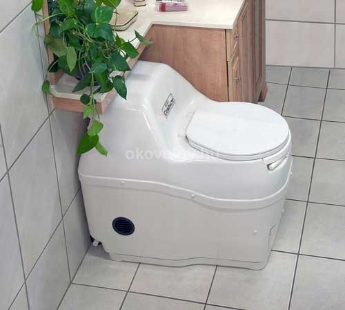 5_Sun-Mar-composting-toilet